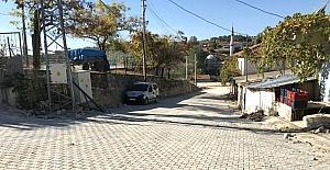 Gebeler Mahallesi yollarında kilit parke taşı döşeniyor