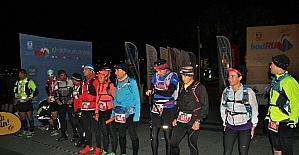 Gece yarısı başladılar, 12 saat koşacaklar