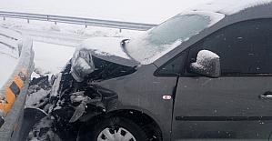 Kar yağışı kazaya neden oldu