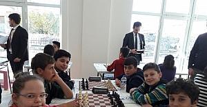 Kardelen Koleji öğrencileri satranç turnuvasında İl birincisi oldu
