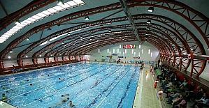 Karşıyaka'ya ilk kapalı yüzme havuzu