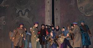 Kazak-Türk dostluğu sahnelendi