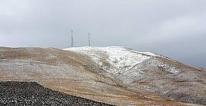 Kop Dağı'nda kar yağışı