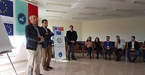 Rektör Battal'dan öğrencilere sertifika