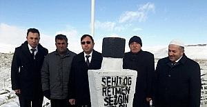 Şehit Öğretmen Sezgin Yolcu mezarı başında anıldı