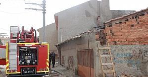 Suriyeli ailenin evinde yangın