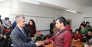 Tahmazoğlu öğretmenleri ziyaret etti