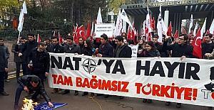 Üniversite öğrencilerden NATO eylemi
