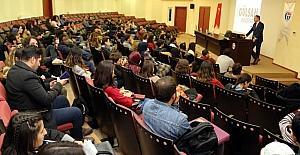 Üniversite öğrencilere kariyer tüyoları