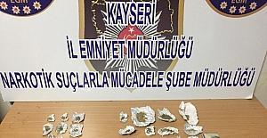 Uyuşturucu tacirlerine operasyon: 4 gözaltı