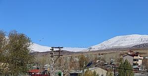 Varto'da dağlar beyaza büründü