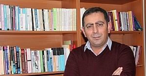 """Yrd. Doç. Dr. Akgül: """"İletişim fakültelerinde iletişimciden çok işletme kökenli akademisyen var"""""""