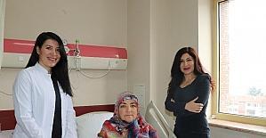 52 yaşındaki kadının karnından 3 kiloluk kitle çıkartıldı