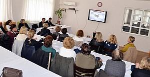 Alzheimer hasta yakınlarına bilgilendirme semineri