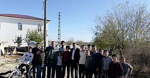 """Erdoğan: """"Her daim milletimizin hizmetindeyiz"""""""