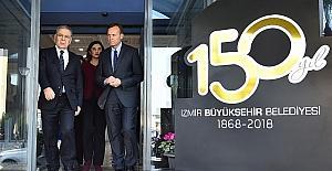 İzmir'e üç ülkeden üç mesaj