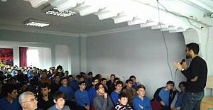 Medeniyet ve Düşünce Kulübü lise öğrencilerini bilgilendirdi