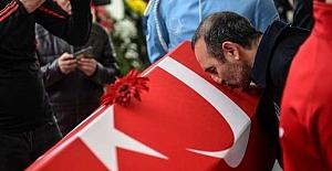 Yunanistan Naim'in Cenazesini Öpen Leonidis'i Görevden Aldı