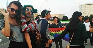 Akit LGBTİ'lileri rahatsız etti