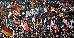 Almanya#039;da İslam düşmanlığı...