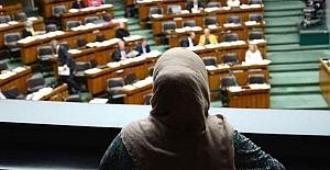 Erkeklerle tokalaşmayan kadına Fransa'dan ceza!