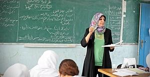 İran İngilizceyi bırakıp Rusçayı kullanacak