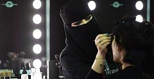 Suud yönetimi kadınlarla moda haftası düzenliyor