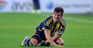 Emre Belözoğlu'nun futbolu bırakmasını istedi