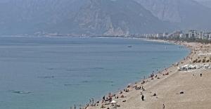 Antalya'da turizmde tüm zamanların Mayıs rekoru kırıldı