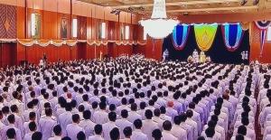 Tayland Kralı darbeden sonra kurulan ilk parlamentoyu açtı