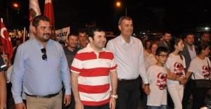 Tire'de Fener Alayına Galatasaray Coşkusu Eklenince Tarihi Kalabalık Oluştu