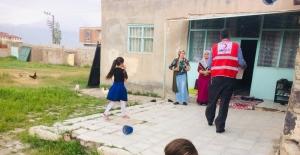 Türk Kızılay'ı Doğubayazıt Şubesi yardımlarına hızlı başladı