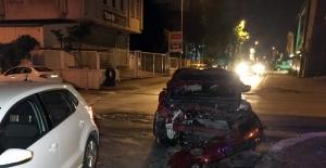 Ümraniye'de iki araç çarpıştı: 1 yaralı