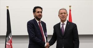 Bakan Akar, Afganistan Savunma Bakanı Khalid ile görüştü