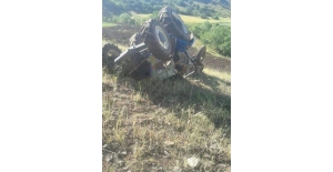 Kontrolden çıkan traktör devrildi: 2 yaralı