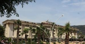Milyon dolarlık beş yıldızlı otel kaderine terk edildi