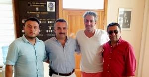 Ünlü oyuncu Alaçatı Polis Merkezini ziyaret etti