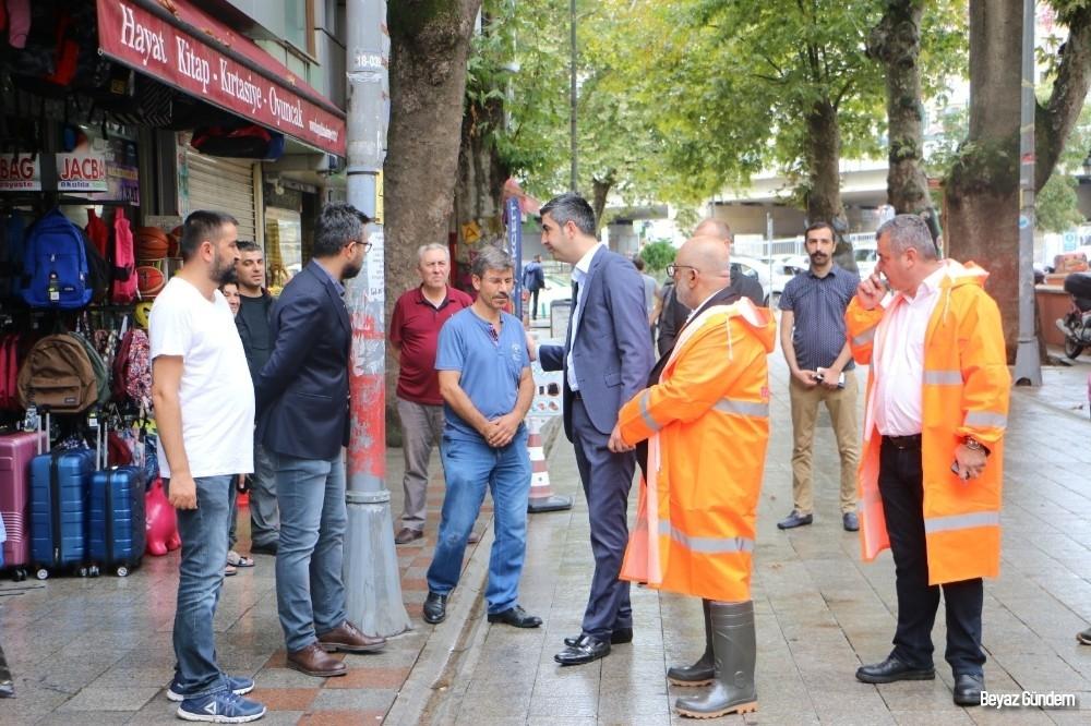Başkan Gökhan Yüksel, Ankara Caddesi'nde yağış sırasında alınan tedbirleri denetledi
