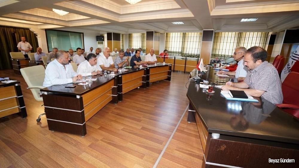 Belediye yönetimi ve muhtarlar istişare toplantısında buluştu