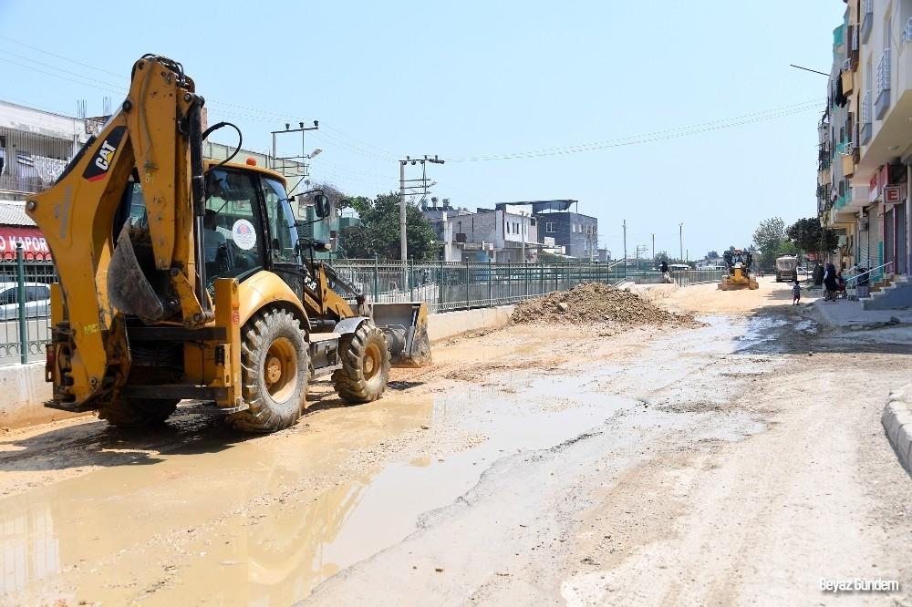 Büyükşehir Belediyesi, Çavuşlu Deresinin kenarındaki asfalt çalışmalarını tamamladı