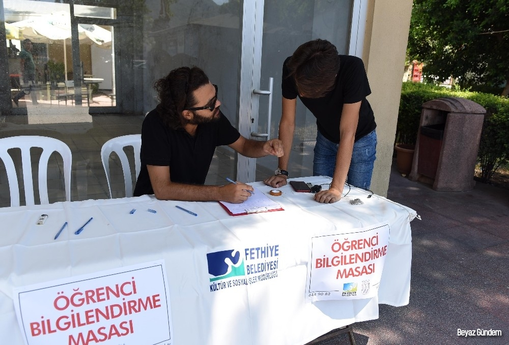 Fethiye Belediyesi'nden öğrencilere bilgilendirme masası