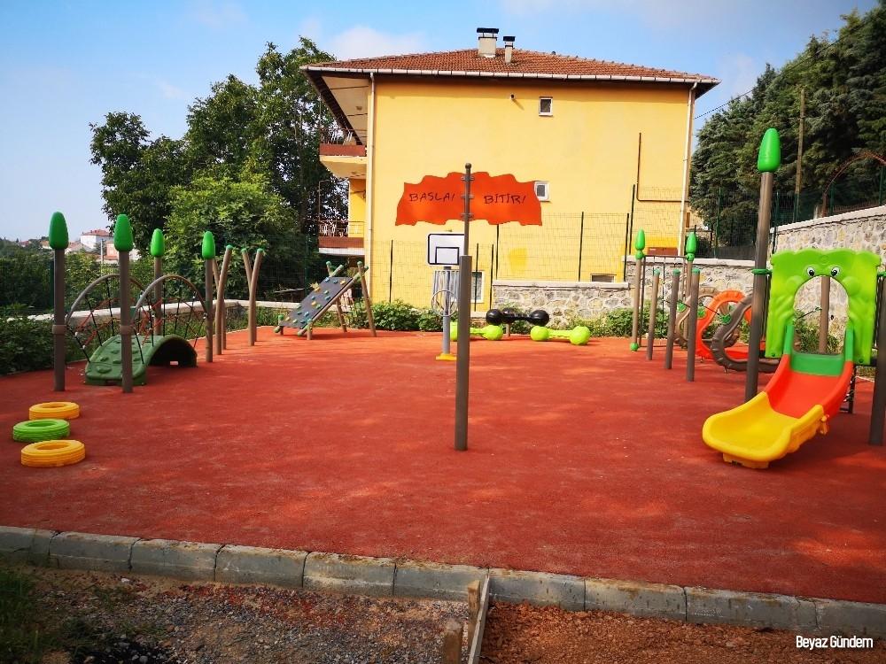 Gündoğdu'da çocuklar yeni parkına kavuşuyor