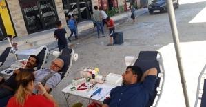 Mahalleli istedi Kızılay'ın gezici kan bağış tırı yola çıktı