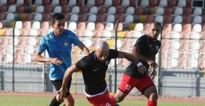Manisaspor hazırlık maçında Somaspor'a 4-1 yenildi