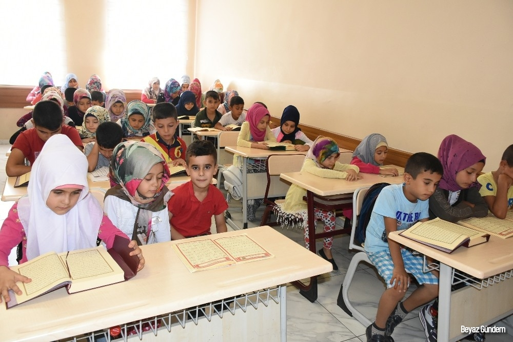 Şahinbey Belediyesi Sosyal Tesislerinde Kur'an-I Kerim öğreniyorlar