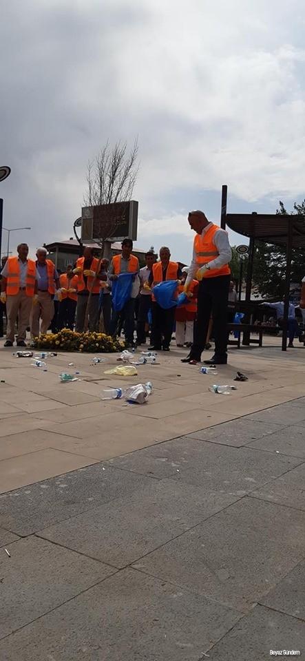 Tuzluca Belediye Başkanı Türkan temizlik yaptı
