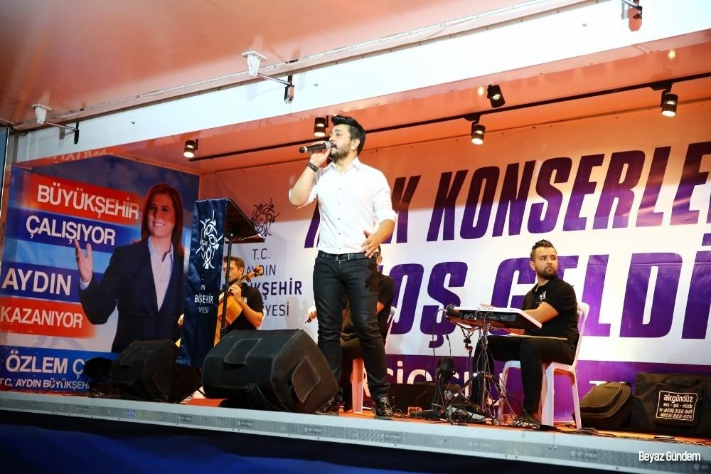 Yenipazarlılar konserle coştu