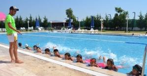 Yunusemre'de son dönem yüzme kursu başlıyor