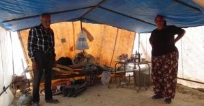 14 yıldır naylon çadırda yaşayan aile 5 çocuğunu Çocuk Esirgeme Kurumuna verdi