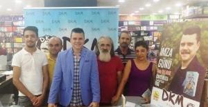 Adana'da 3 yazardan imza günü